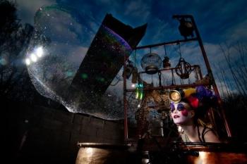 Bubblica zeepbellen straattheater 3.jpeg