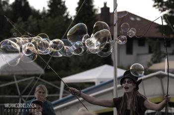 Bubblica op Ballonfestival Grave 2014-2.jpg
