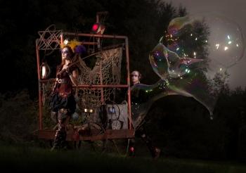 Bubblica zeepbellen straattheater 2013 1klein.jpeg