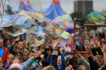 Bubblica op Zomerparkfeest Venlo 2014-3.JPG