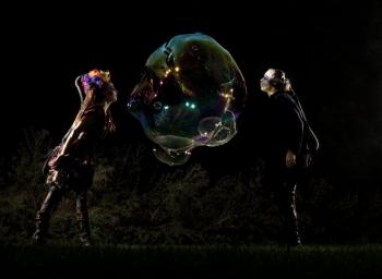 Bubblica zeepbellen straattheater 2013 2klein.jpeg