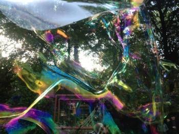 Bubblica zeepbellen straattheater op Counter Culture Festival 2013 1.jpg