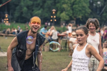 Bubblica zeepbellen performance op Manana Manana-2.jpg