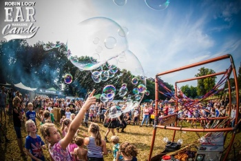 Bubblica zeepbellen performance op Manana Manana-3.jpg