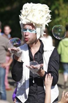 Bubblica zeepbellen performance op Provinciedomein Vlaams-Brabant, Huizingen-13.jpg